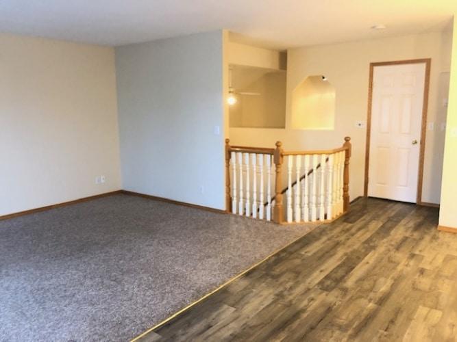 Fourplex For Rent 3 - 4405 46 Ave, Sylvan Lake, 2 Bedrooms, 1.5 Bathrooms