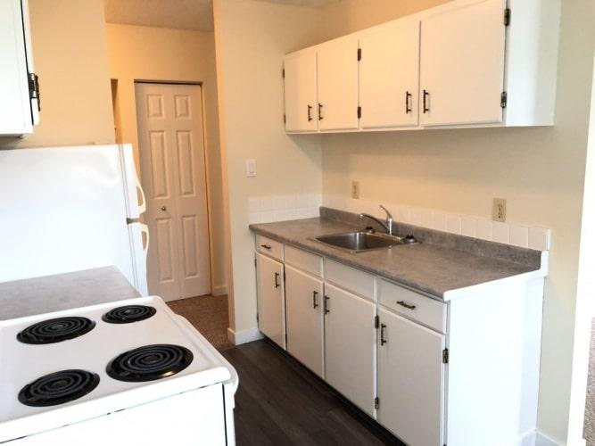 Apartment For Rent 5832 60A Street, Red Deer, 2 Bedrooms, 1 Bathroom