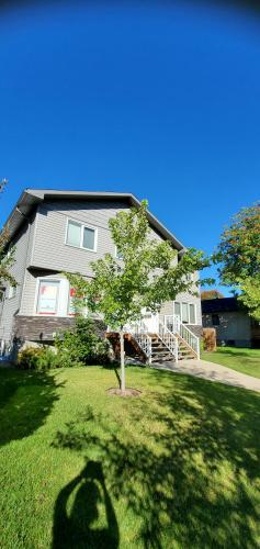 Triplex For Rent A - 3414 - 51 Ave, Red Deer, 2 Bedrooms, 2.5 Bathrooms