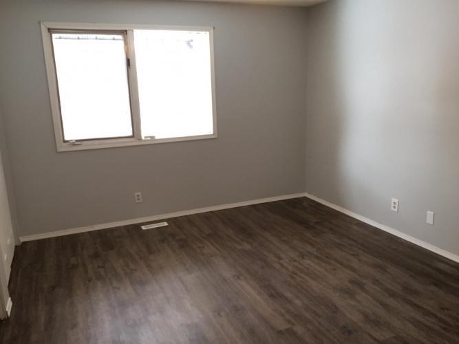 House For Rent 75 Howarth Street, Red Deer, 3 Bedrooms, 2.5 Bathrooms