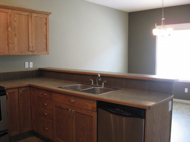 Townhouse For Rent 115 50 Lucky Place, Sylvan Lake, 3 Bedrooms, 1.5 Bathrooms