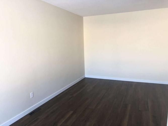 Duplex For Rent 5131-44 Street, Red Deer, 2 Bedrooms, 1 Bathroom