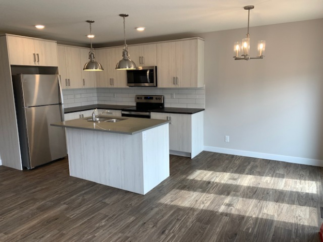 Townhouse For Rent 53 Hawthorn Place, Sylvan lake, 3 Bedrooms, 2.5 Bathrooms